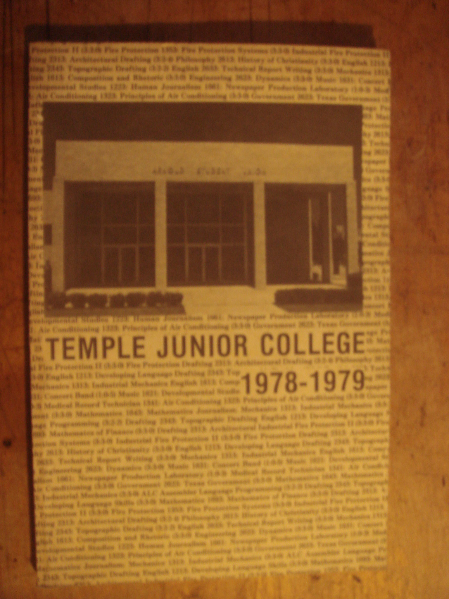 zobrazit detail knihy Temple Junior College Temple Texas 1978-9